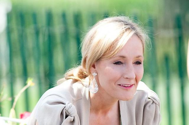 Джоан Роулинг придумала имя персонажу «Гарри Поттера», взяв его с уличного знака