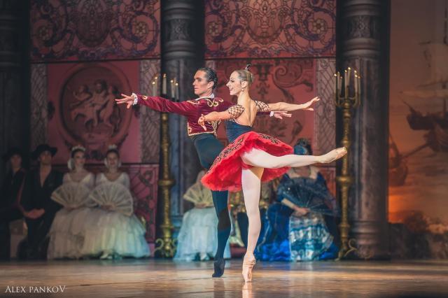 Театр классического балета покажет мгновения танца на фотовыставке