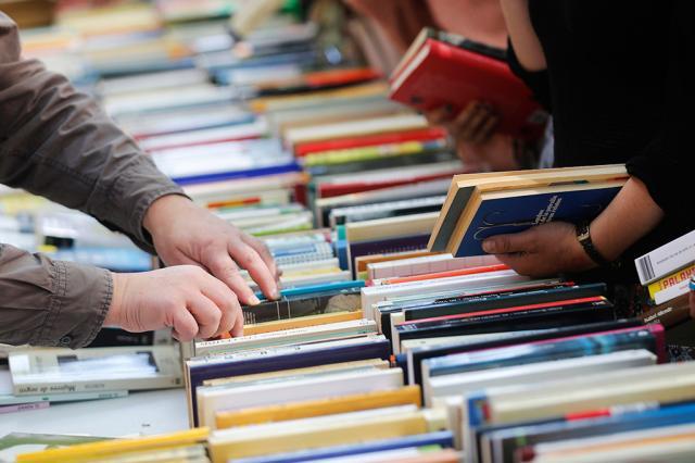 Трудности перевода: какие русские авторы популярны за рубежом