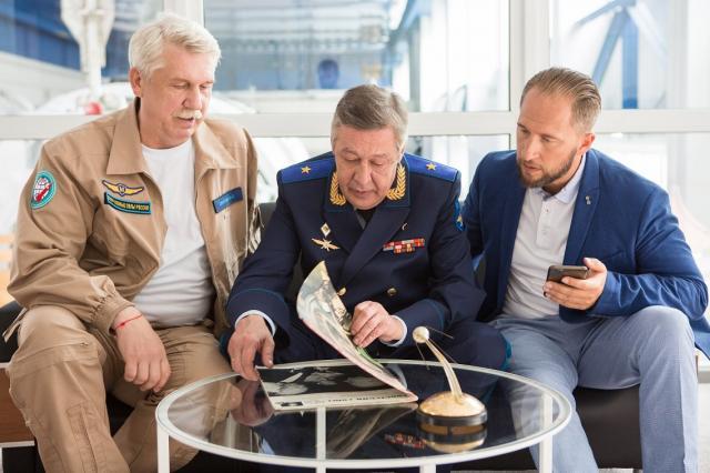 Телеканал СТС приступил к съёмкам космического сериала «Команда Б»