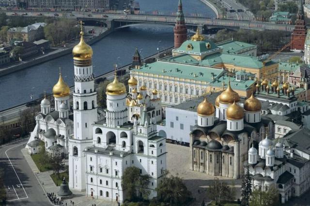 Государственный Кремлёвский дворец рекомендует посмотреть серию документальных фильмов про ансамбль Московского Кремля