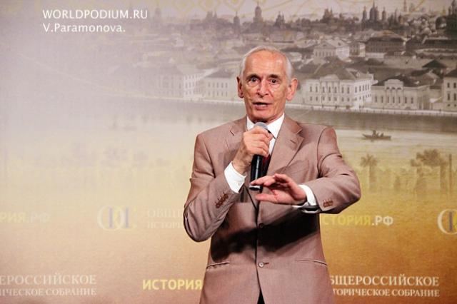 Александр Лукашенко направил соболезнования в связи со смертью Василия Ланового