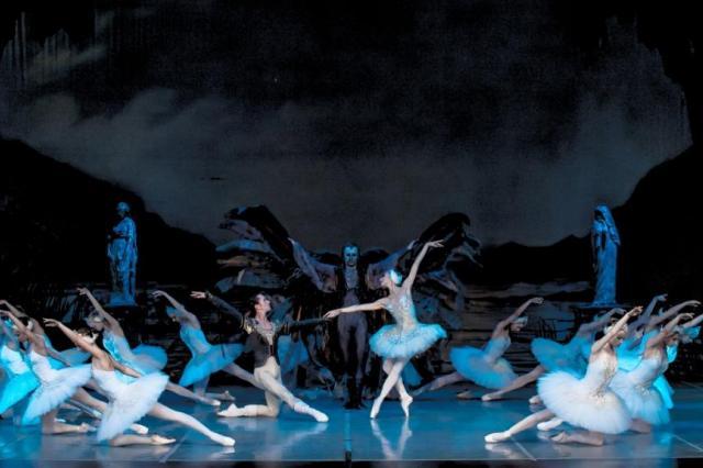 Государственный академический театр классического балета откроет Новый год грандиозными показами спектаклей