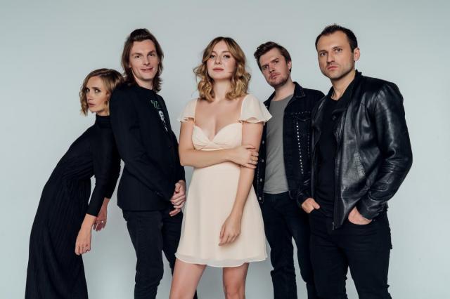Группа «Летать!» удивит поклонников новыми треками и другими сюрпризами на концерте в «16 тонн»