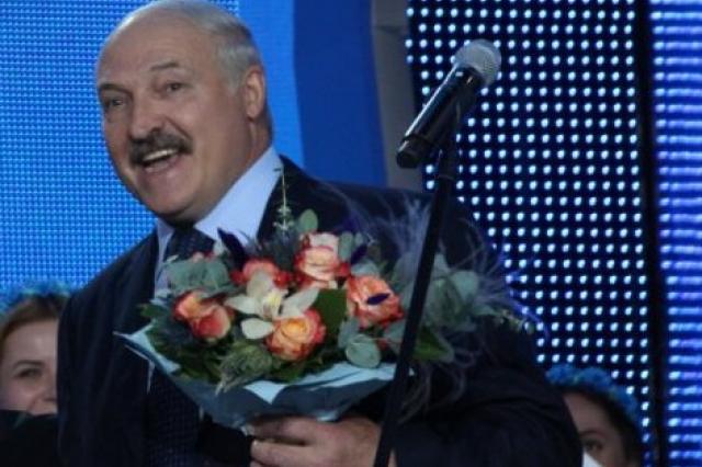 Александр Лукашенко поздравил народного художника республики Бориса Герлована