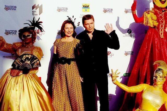 Алексей Гуськов получил приз «За вклад в киноискусство» на фестивале «Восток-Запад»