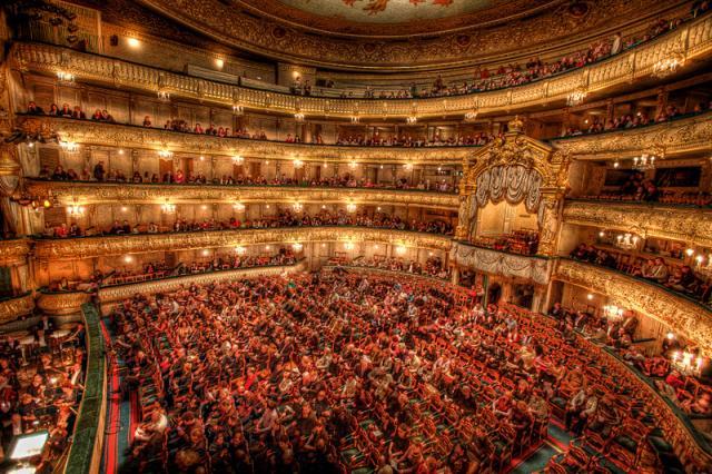 """В Мариинском театре представили оперетту """"Кандид"""" к столетию Леонарда Бернстайна"""
