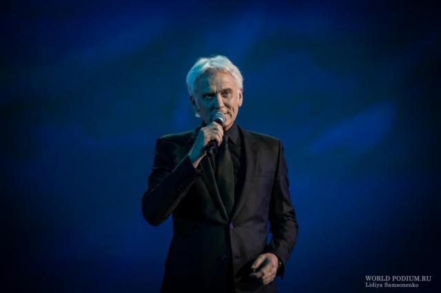 В эфире «Радио Шансон» состоялась премьера песни «А дома зацвела сирень» в исполнении Александра Маршала
