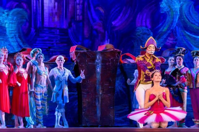 """Балет """"Щелкунчик"""" на сцене Государственного Кремлёвского Дворца"""