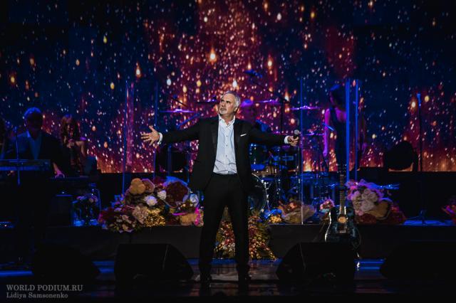 Валерий Меладзе призвал артистов отказаться от участия в новогодних съемках