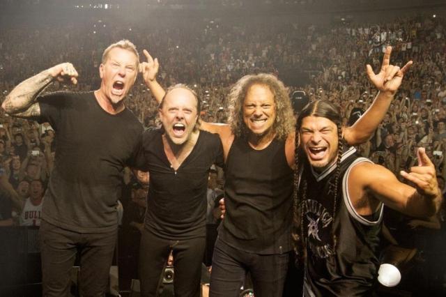 Группа Metallica исполнила песню «Группа крови» в «Лужниках»
