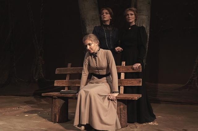 «Три сестры» - МХАТ им. М. Горького возвращает великий спектакль зрителю