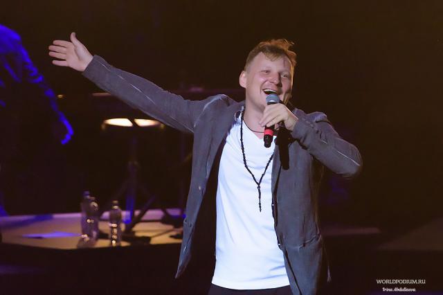 Новинки «Радио Шансон: Михаил Бублик с премьерой песни «Научи меня»