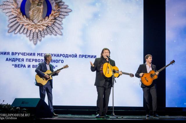 Олег и Савва Митяевы в Московском Доме Книги
