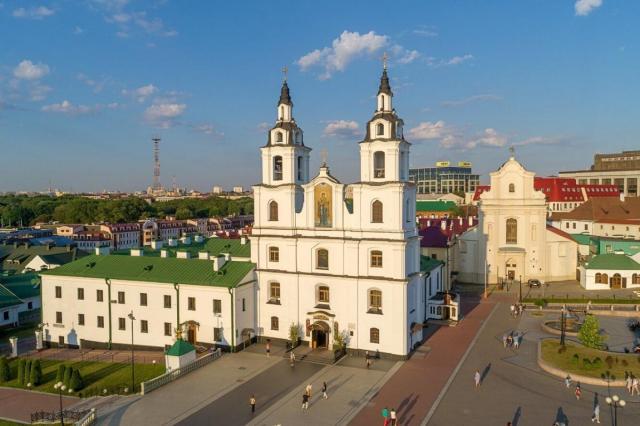 Митрополит Минский и Заславский Павел совершил молебен о даровании мира белорусскому народу