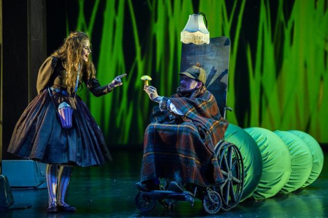 «Алиса в стране чудес» в Московском Губернском театре