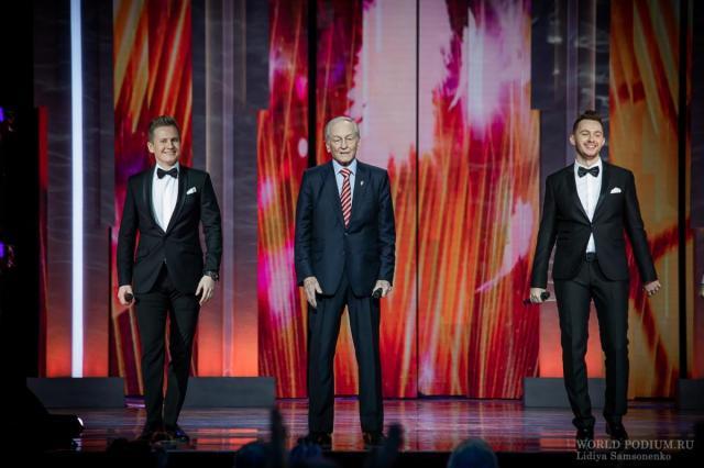 Музыкально-театрализованный вечер ко Дню Победы в эфире Первого канала