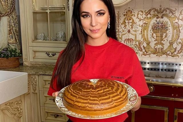 Зара поделилась рецептом кекса «Зебра»