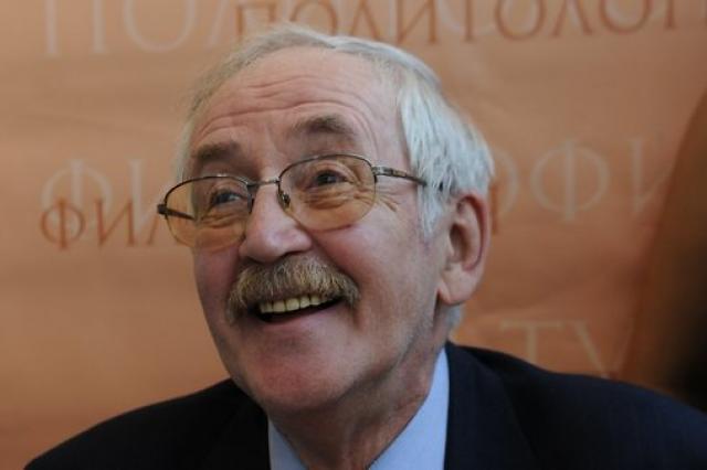 В семье 82-летнего Василия Ливанова случилось пополнение