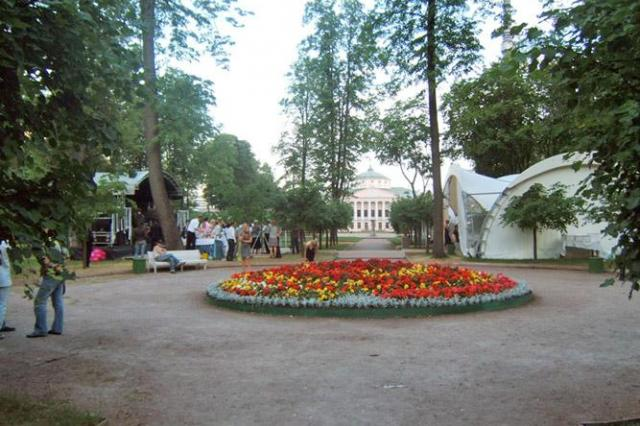 """Старые советские фильмы бесплатно покажут в парке """"Останкино"""""""