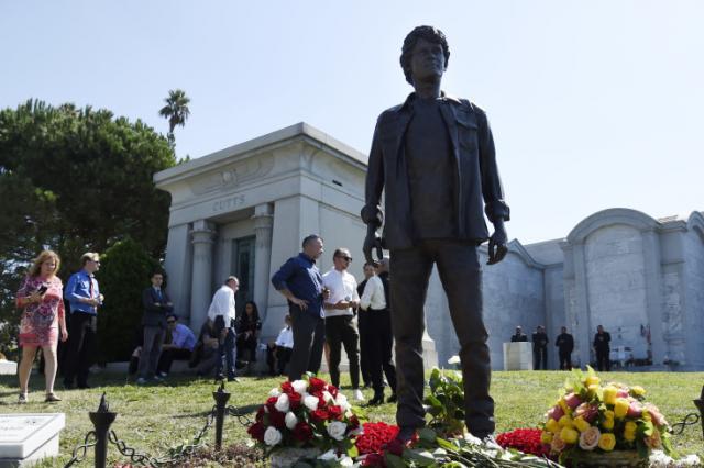 В Лос-Анджелесе поставили памятник актеру Антону Ельчину