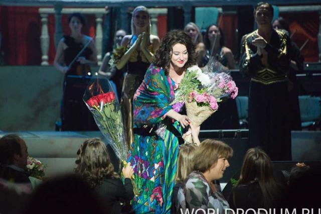 Тамара  Гвердцители  выступила   с  концертом  в  Тбилиси