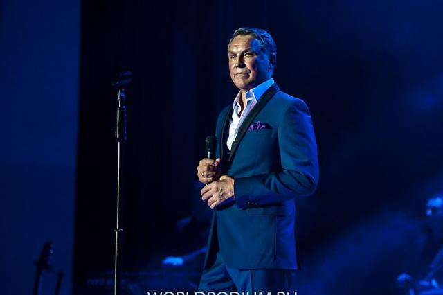 21 июня Культурный центр «Москвич» приглашает на концерт автора-исполнителя Rishat