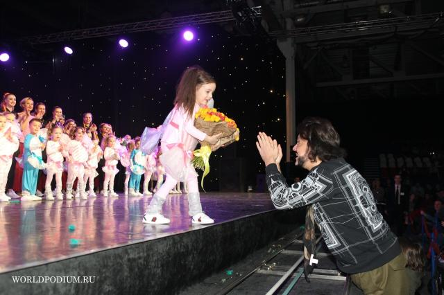 5-летняя дочь Филиппа Киркорова дебютировала на сцене