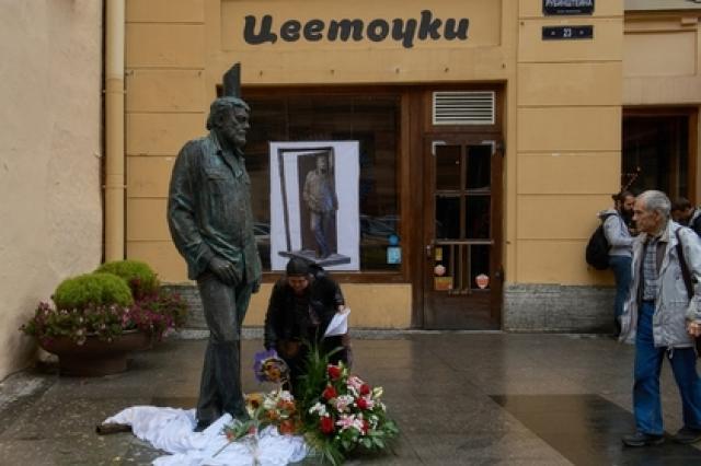 Памятник Довлатову предложили установить в Таллине