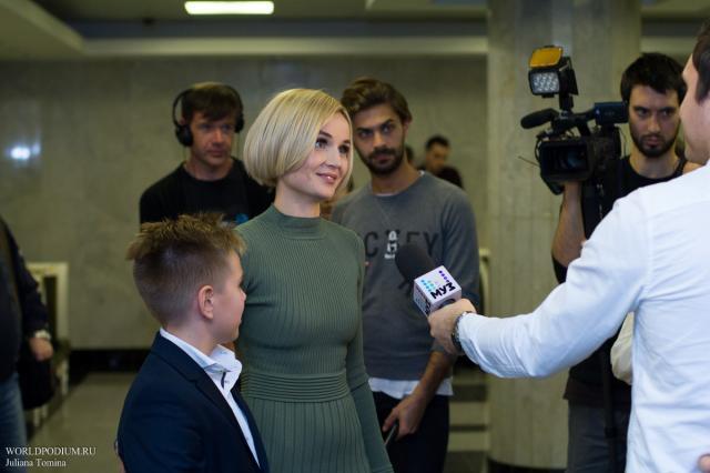 Полина Гагарина вновь выступит в «Мегаспорте»
