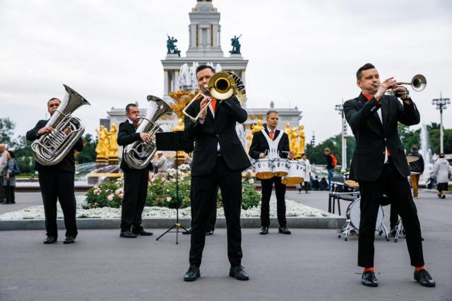 ВДНХ приглашает на концерты духовых оркестров