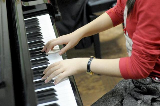 В Краснодаре учителя наказали за спетый детьми «Владимирский централ»