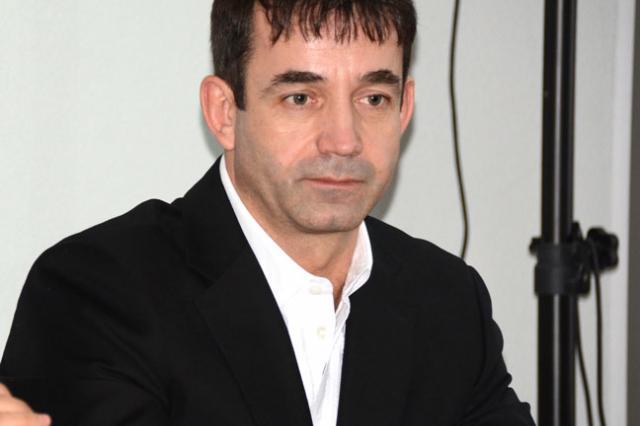 Дмитрий Певцов призвал не поддаваться страху в связи с пандемией коронавируса