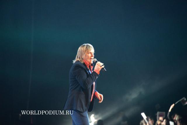 Виктор Салтыков (Легенды Ретро FM 2015)  Фото он-лайн трансляция