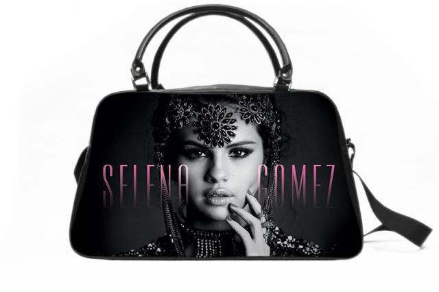 Селена Гомес выпустила коллекцию сумок