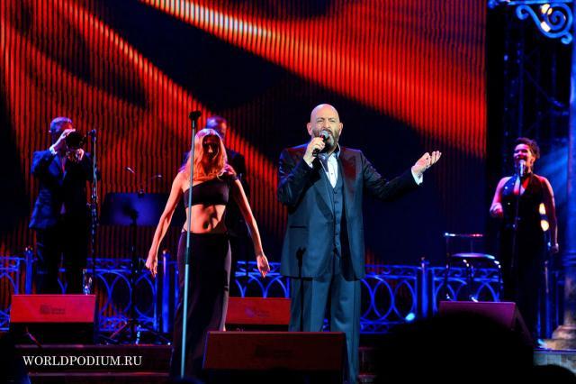 Михаил Шуфутинский с сольным концертом в Государственном Кремлевском Дворце