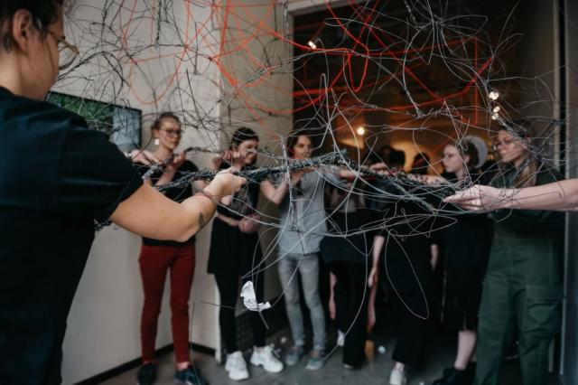 Подростки покажут в Музее Москвы глобальную инсталляцию из 85 объектов