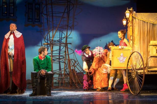 Театр на Таганке представляет: «Старая, старая сказка»