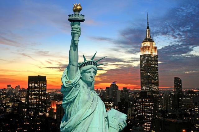 В Нью-Йорке отменили «закон о кабаре»