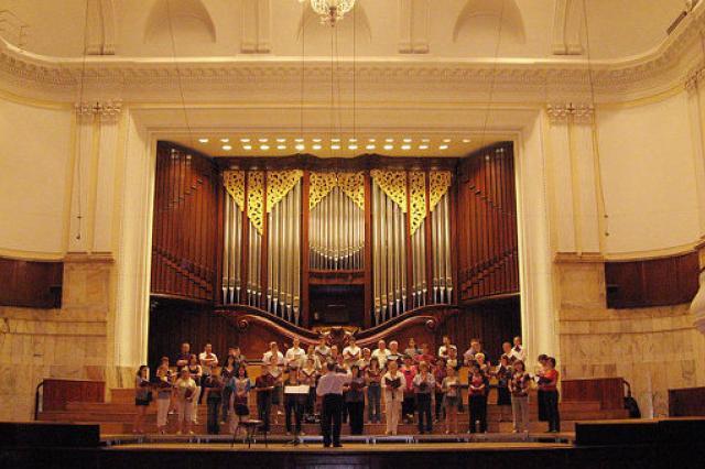 Британская публика стоя аплодировала хору Свешникова