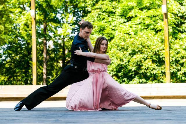 80-летие в ритме танца: бесплатные занятия на ВДНХ