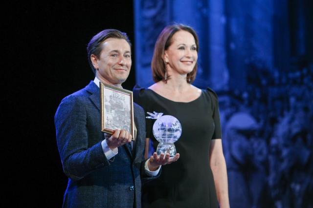 Сергей Безруков получил премию Международного фестиваля военного кино им. Ю. Н. Озерова за актерское мастерство