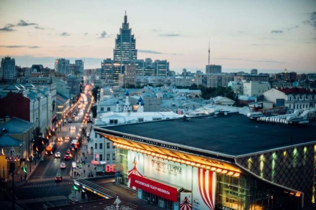 Михаил Швыдкой проведет экскурсию по обновленному театру «Россия»