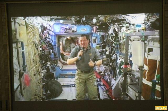 «Театрал» вышел в космос
