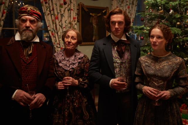 «Необыкновенная история на Рождество» с Дэном Стивенсом и Кристофером Пламмером: уже в прокате!