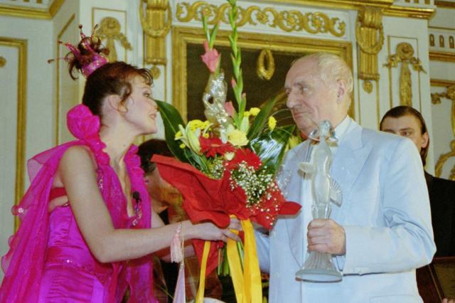 Станислав Любшин получит приз «За честь и достоинство» на церемонии «Хрустальная Турандот»