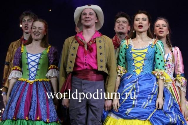Хрустальный бал Хрустальной Турандот в честь театра Ленком, или как Веничка Ерофеев побывал на балу китайской принцессы