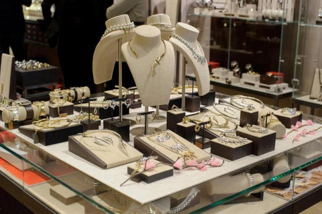 UNOde50 представил новую коллекцию украшений SS20 «The essence of Asia»