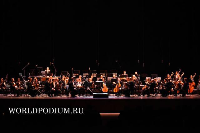 Венский филармонический оркестр. Дирижер — Риккардо Мути