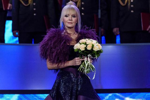 Певица Валерия оправдалась за съемки в Дубае